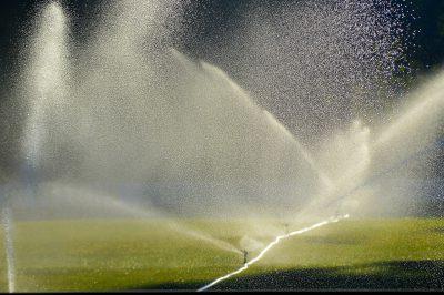 Grün Bewässerung